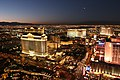 Las Vegas from top (2) - panoramio.jpg