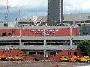 Silvio Pettirossi International Airport - Image: Lateral del Aeropuerto Silvio Pettirossi
