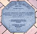 Lauris Edmond memorial plaque in Dunedin.jpg