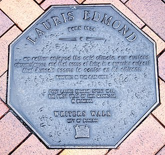 Lauris Edmond - Memorial plaque dedicated to Lauris Edmond in Dunedin, on the Writers' Walk on the Octagon