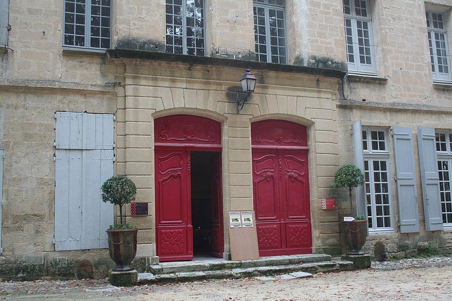 Lavérune (Hérault) - château des évêques - porte d'entrée