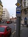 Lazarská, tramvajová zastávka, noční prodloužení zastávky.jpg