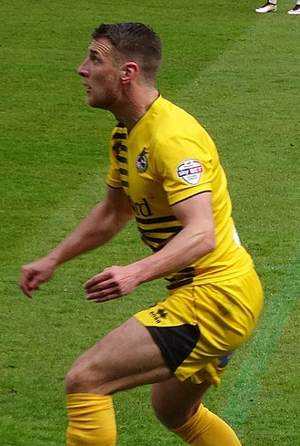 Lee Brown (footballer) - Brown playing for Bristol Rovers in 2016