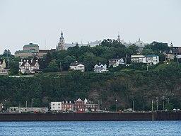 Lévis, set fra en færge på Saint Lawrencefloden.