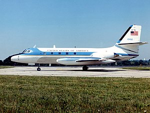 Lockheed JetStar - Lockheed VC-140B. The bare metal on the fin at the trim hinge is easily visible here.