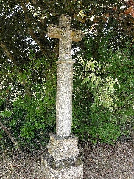 Loison (Meuse) croix de chemin