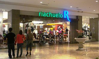 Lojas Riachuelo - Riachuelo store in a shopping mall in Brasília.