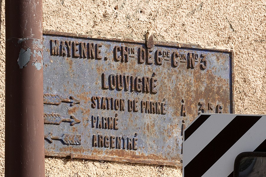 Plaque de cocher sur le Chemin de grande communication n° 3 (actuelle D 103).