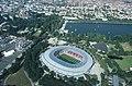 Luftbild HDI-Arena mit Maschsee und Rathaus.jpg