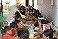 Lunching Bhaktas - Rawatpura Sarkar Ashram - Chitrakoot - Satna 2014-07-05 6450.JPG