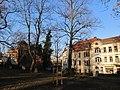 Luthereiche an der Auferstehungskirche Winter (1).jpg