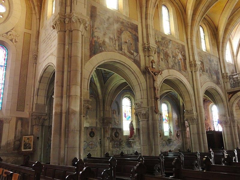 Mécrin (Meuse) église Saint-Evre intérieur avec fresco's