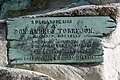 Móstoles – Monument 1908 to Andrés Torrejón and Pedro Serrano – Commemorative plaque.jpg
