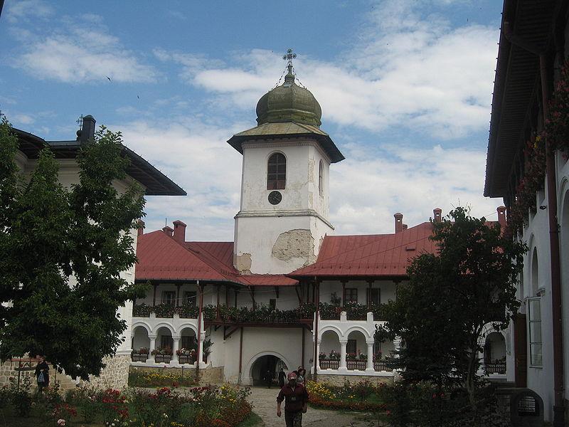File:Mănăstirea Agapia20.jpg
