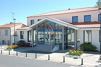 Mairie de La Tessoualle.jpg