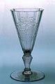 Manifattura boema, Bicchiere con stemma di Casa d'Este, 1720 ca, Museo Civico di Modena.jpg