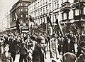 Manifestacja w Warszawie po wypowiedzeniu wojny III Rzeszy przez Wielką Brytanię i Francję 3 września 1939.jpg
