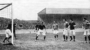 Manor Ground (Plumstead) - Image: Manor Ground, Woolwich Arsenal vs. Everton