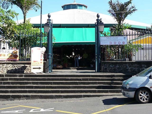 The Saint-Pierre covered market in Réunion Island. Photo by Wikimedia Commons.