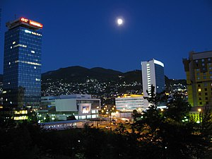 Marijin Dvor (Sarajevo) - Image: Marijin Dvor twilight and moonlight