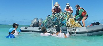 NOAA's marine debris removal in 2014 Marine Debris Removal ...Hawaiian Islands.jpg