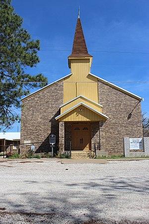 McDade, Texas - McDade Baptist Church