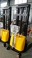 MechYantra Semi Electric Stacker 1000 kg 04.jpg