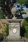 Memorial to Sir Charles Linnaeus.JPG