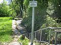 Merzhausen Bitzenmatte mit Dorfbach oberhalb des Einlassbauwerks zum Regenrückhaltebecken 2.jpg
