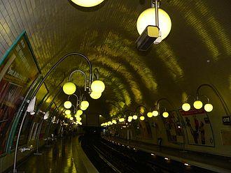 Cité (Paris Métro) - Image: Metro staion C Ite p 1000475