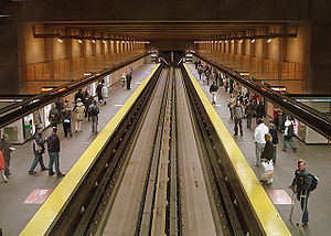 Cartier station (Montreal Metro) - Image: Metro Cartier