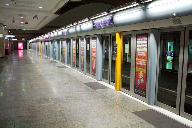 File metropolitana torino porta wikimedia commons - Torino porta nuova stazione ...