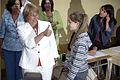 Michelle Bachelet luego de depositar su voto en segunda vuelta presidencial de 2006.JPG