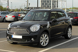 Mini Cooper Countryman (R60) – Frontansicht, 2. April 2011, Düsseldorf.jpg