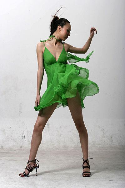 File:Model in green dress 2.jpg