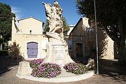 Le monument aux morts de Vallauris.