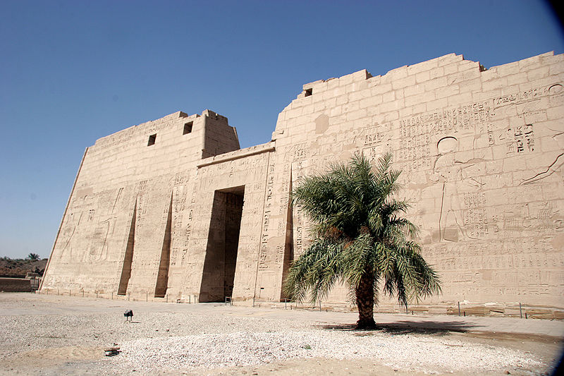 File:Mortuary temple of Ramesses III.jpg