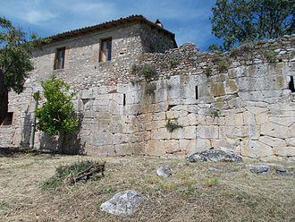 Montopoli di Sabina - Image: Mura Grotte di Torri 1