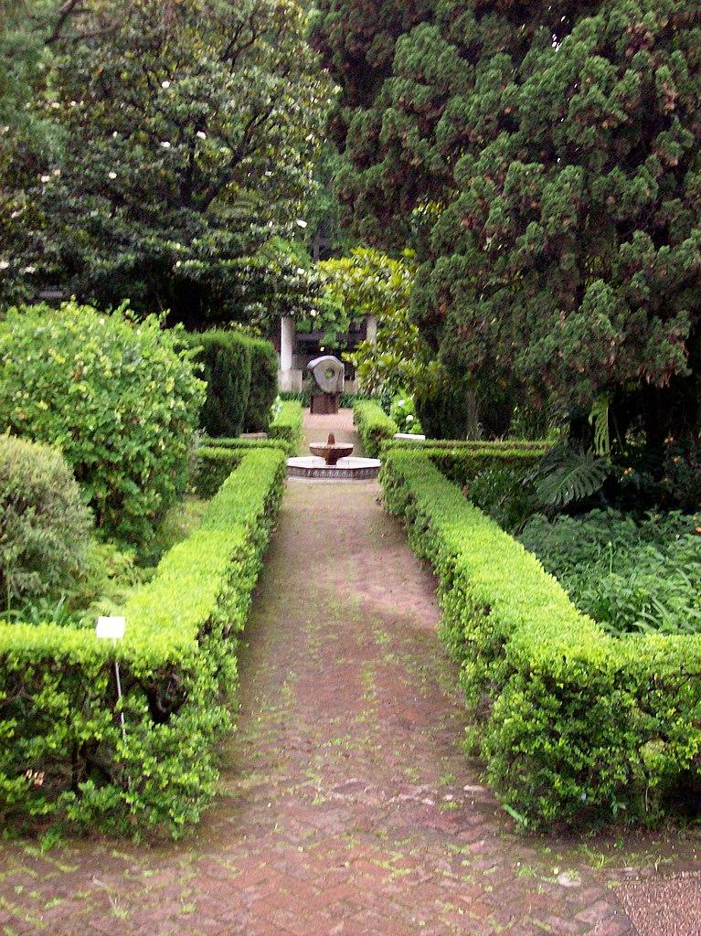 File museo de arte espa ol enrique larreta jard n andaluz for Jardin andaluz