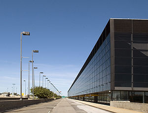 Montréal–Mirabel International Airport - The passenger terminal before its demolition