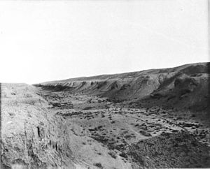 Nahrawan Canal - The dry bed of the Nahrawan Canal near Samarra, photographed by Gertrude Bell in 1909