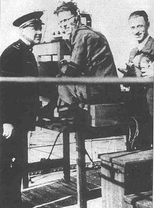 Nello Carrara - Nello Carrara (center) with his experimental E.C.1 radar in 1935