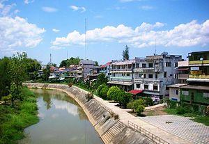 Ngao District - Ngao River flowing by Ngao town