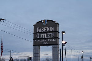 Fashion Outlets of Niagara Falls - Image: Niagra Falls Factory Outlet Mall