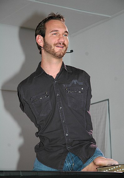 File:Nick Vujicic speaking in a church in Ehringshausen, Germany - 20110401-02.jpg