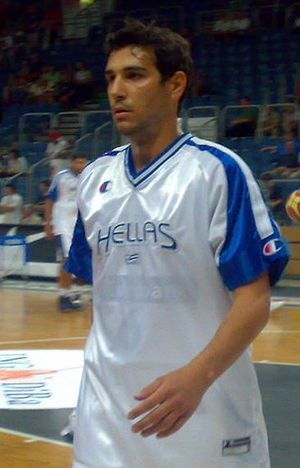 Nikos Zisis - Zisis warming up with the senior Greek national team, in 2008.