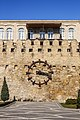 Old fortress wall with a clock, Baku, Azerbaijan IMG 6379.jpg