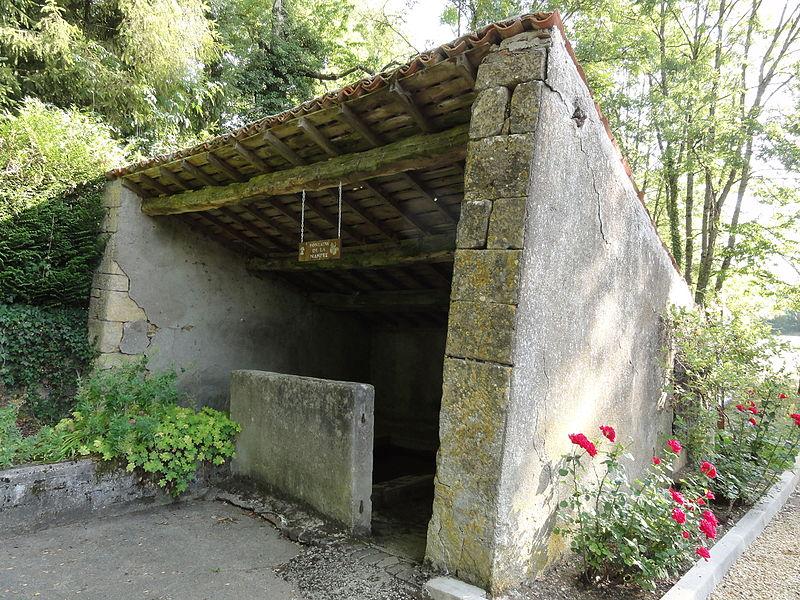Ollières (Spincourt, Meuse) fontaine-lavoir