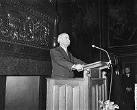 Opening Tentoonstelling Berlijn bolwerk der vrijheid door dr J Lons, Bestanddeelnr 912-1588.jpg