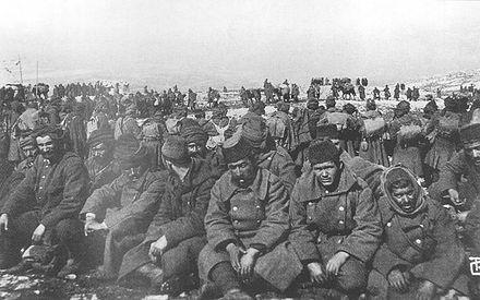 440px-Ottoman_prisoners_Bizani_1913.JPG